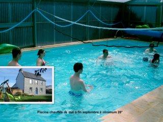 Gites de KERPIRIT en rez de jardin avec piscine couverte, chauffee et SPA