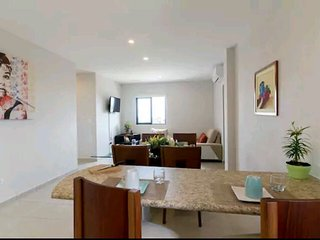 Anuncios  Fabulous New Apartment! Few blocks from the beach!