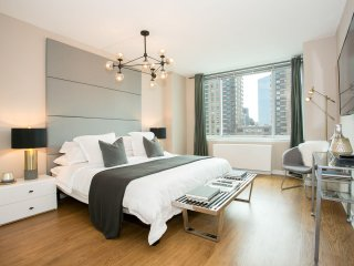 Designer luxurious 3 Bedroom Apartment with Gym, Doorman Lincoln Center