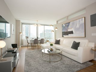 Luxurious 3 Bed apt West Side