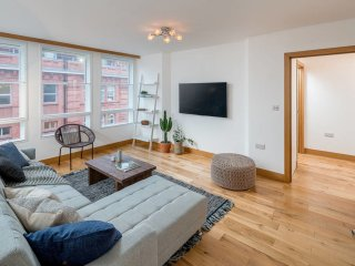 Spacious 2 Bed Sleeps 6, 10 mins to Victoria