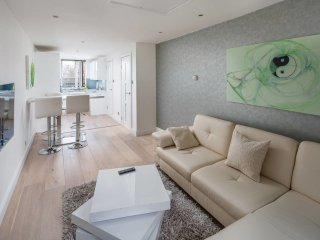 Stunning 1 bed sleeps 4 apartment in Notting Hill