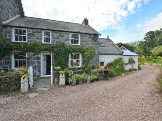 51832 Cottage in Bala