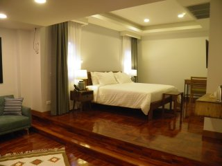 201 - The Dusit Executive Suite at Maneeya Park Residence