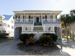Southern Charm - Pet Friendly, 6BR Third Row Beach Home w/ Ocean Views