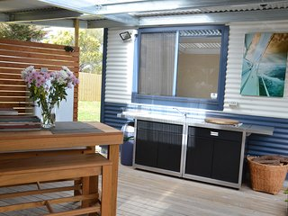 Fully equiped outdoor kitchen