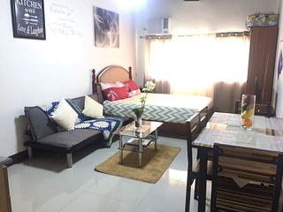 COZY/HOMEY condo near SM city