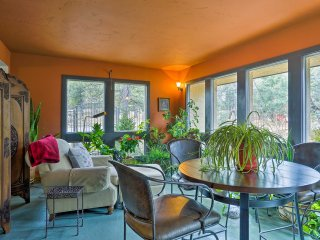 NEW! 4BR House - 5 Miles to Garden of the Gods!