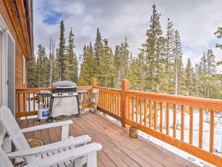 'Three Bears Lodge' - Fairplay Home w/Deck & Views