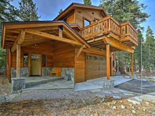 NEW! 3BR Tahoma House 5 Mins from Lake Tahoe!