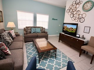 4760VBP. 4 Bedroom 3 Bath Townhouse With Private Pool