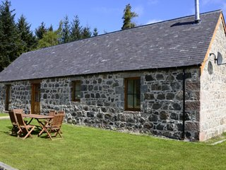 Camerons Cottage is a luxury self catering holiday cottage within walking distan