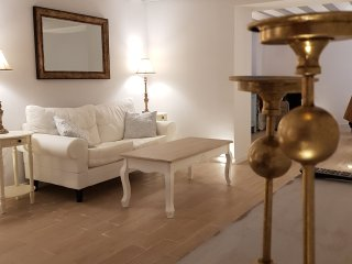 'No14 - Cadiz'. Luxury Apartment located in the centre of Old City