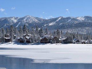 Timeless Cabin - near The Village & Summit Ski