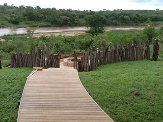 Mjejane private game reserve, River Lodge 21 views Kruger Park Crocodile river