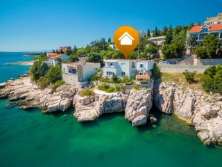 Private suites Novi Vinodolski 7200 1-room-suite