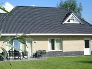 Mooie vrijstaande vakantie villa voor max. 12 pers. (6 slaapkamers)