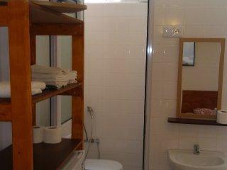 B04-Ostello Camera letti singoli - bagno privato