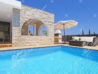 Cyprus Holiday Villa MERRY Profile