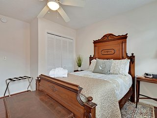 Centrally Located Charleston Chateau! Groups and Families