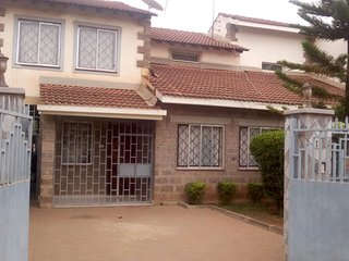 Wonderhouse Homestay/BnB Near JKIA Airport