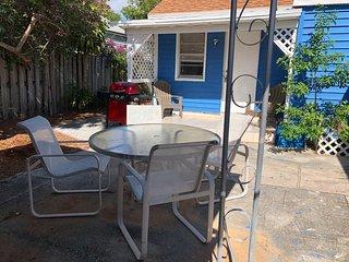 Sunny West Palm Beach house - 2BR