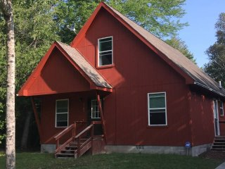 Secluded chalet within walking distance to private Lake Huron beach