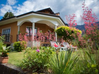 Pretty villa centrally located