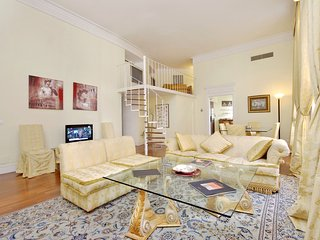 Elegant 3bdr duplex in the Flaminio District