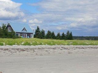 Sanderling Beach House on Louis Head Beach