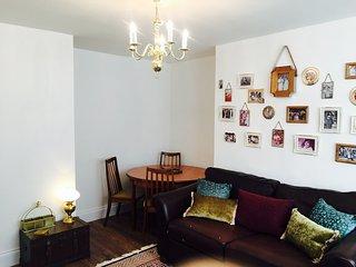 Spacious, comfortable 2 bedroom flat in Lewisham.