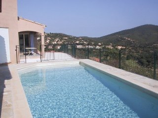 Villa for 10 persons with pool and sea view