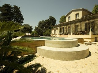 Mas Provençal for 10 persons with swimming pool