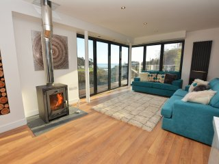 48604 House in Looe