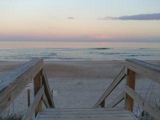 Steps to beach!  Amelia Island / Fernandina Beach oceanfront condo