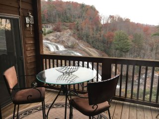 Fabulous 3 Bedroom Condo with  Spectacular Waterfall and the River Gorge View