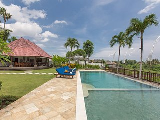 5 Bedroom Villa Rice Field View in Canggu;
