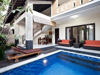 2 Bedroom Private Pool Villa 5 Minute to Double Six Beach Legian!