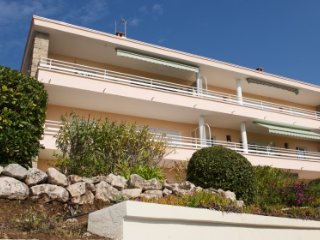134658 luxury 1 bedroom apartment with air conditioning, beach at 100 mtr.