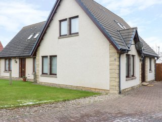 MOLLYS HOOSE, WiFi, centre of Crail, summerhouse, Ref 969837