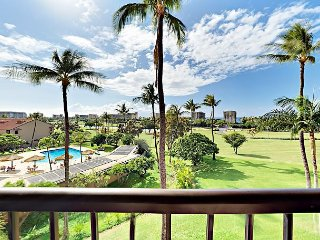 Gated 2BR/2BA on Golf Course w/ Pool, Tennis, Private Balcony - Walk to Beach