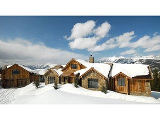 Ski-In, Ski-Out Home w/ Spectacular Big Sky Views!