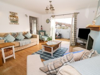 NO. 1 TANYBANC COTTAGE, sea views, Smart TV, pet-friendly, Ref 967191