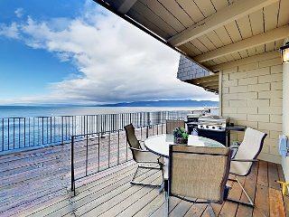2BR w/ Lakefront Balconies, BBQ Grill & Pool ? Walk to Dining & Live Music