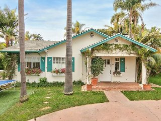 3 Cottages w/ Indoor/Outdoor Living – 4 Blocks to Butterfly Beach