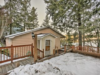 NEW! 'Honeysuckle on Hayden' Lakefront 3BR Home!