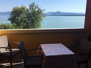Relax Balcone Fronte Lago