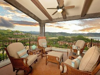 Stay 7 nights,Pay 6!Private, Exclusive, Luxury Condo for Your Family Vacation