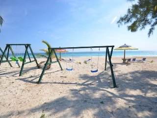 Sea Spray 50 Steps to the Sea, COOK, POOL! BEACH! AFFORDABLE! FAMILY!, 3 BR