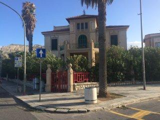 Villa liberty a Mondello